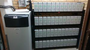 Montering och underhåll av batterier och batterianläggningar.